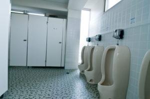 道具なしでも出来るトイレのつまり解消法!